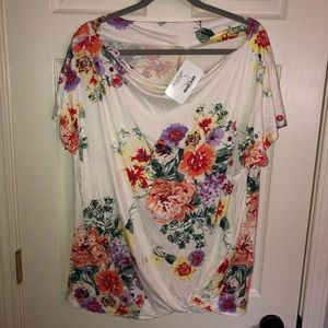 Tops - White floral side twist top